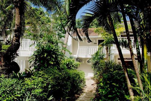 Road View, Speightstown, St Peter, Barbados.