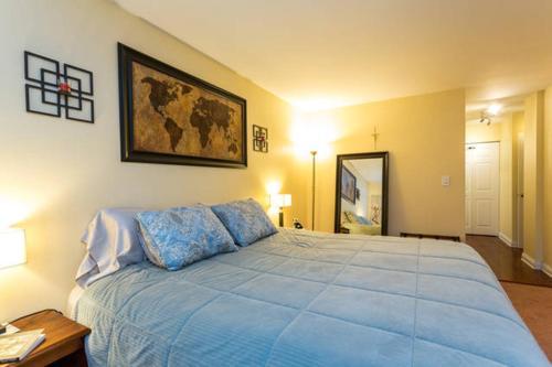 Cozy 2 Bed / 2 Bath In Lincoln Park - Chicago, IL 60614