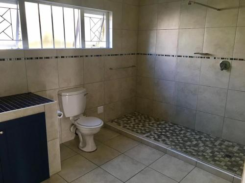 Hermanus Backpackers & Budget Accommodation Photo