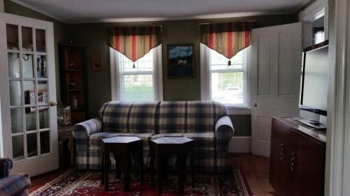The Willow House - Wells, ME 04090