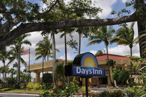Budget Hotel Deals In Cutler Bay United States Days Inn By Wyndham Florida City