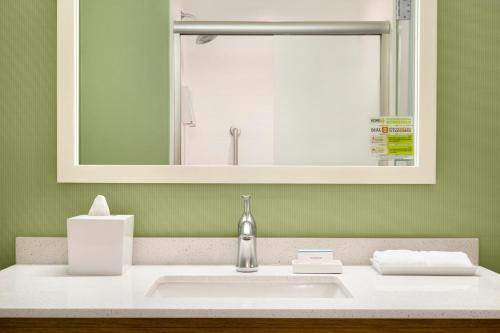 Home2 Suites By Hilton Hasbrouck Heights - Hasbrouck Heights, NJ 07604