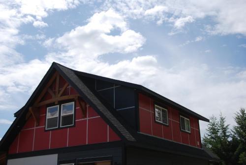 Fieldstone Loft Guesthouse - Clearwater, BC V0E 1N1