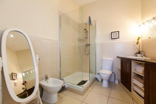 Hotel Dublin Vacation Rentals thumb-3
