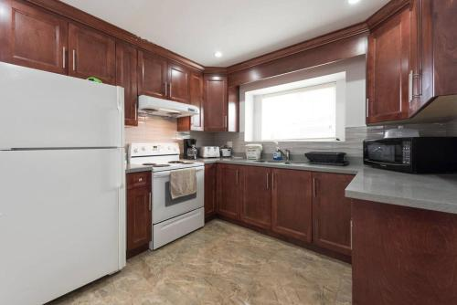 Great Place To Stay - Vancouver, BC V5X 3R7