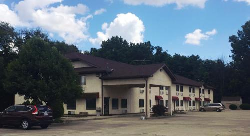 Anderson Chesterfield Travel Inn - Daleville, IN 47334