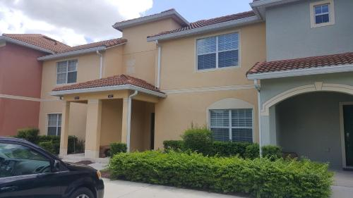 4/3 Luxury Townhome Close To Clubhouse And Resort Amenities - Kissimmee, FL 34747