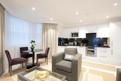 Claverley Court Apartment Knightsbridge photo 5