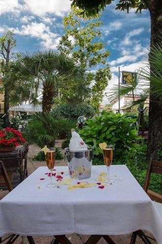 Hotel Ristorante La Terrazza - Viareggio - prenotazione on-line ...