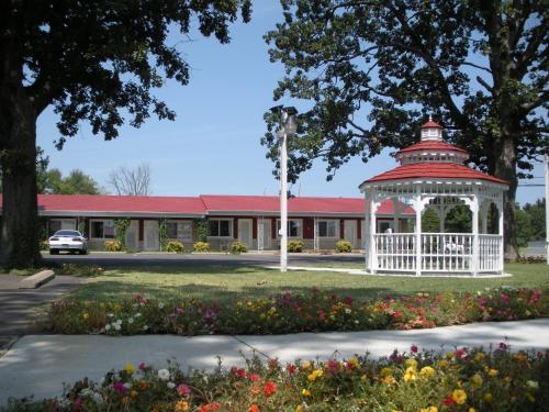 Murray Plaza Lodge - Murray, KY 42071