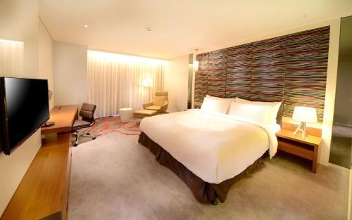 FleurLis Hotel