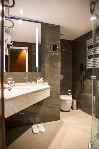 Grand Aras Hotel & Suites photo 41