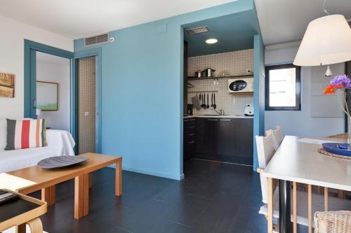 Inside Barcelona Apartments Esparteria photo 45