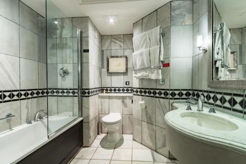 Hotels Vacation Rentals Near Harewood House Leeds Trip101