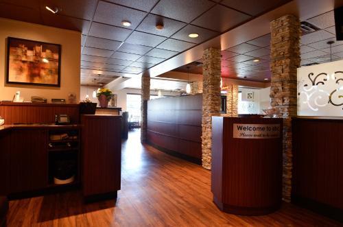Best Western PLUS Langley Inn Photo