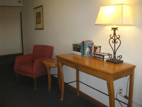 Mountain View Hotel - Killdeer, ND 58640