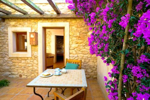 Carretera Sant Rafel a Santa Agnès, km 2, Camí des Tercet, 07816 Sant Rafel, Ibiza, Spain.