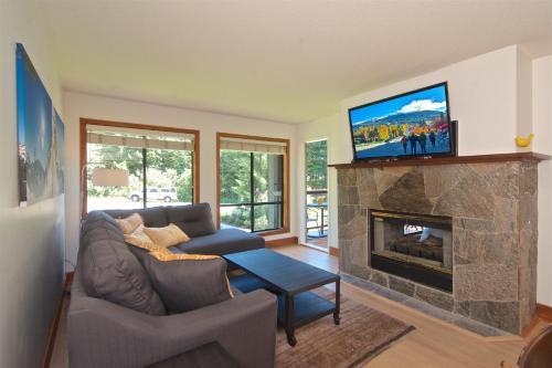 Powderhorn By Whistler Blackcomb Vacation Rentals - Whistler, BC V0N 1B4