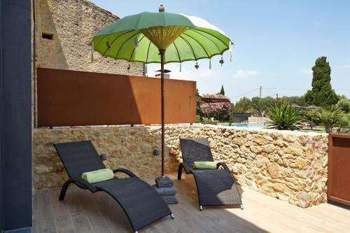 Suite con vistas al jardín Hotel Can Casi Adults Only 3