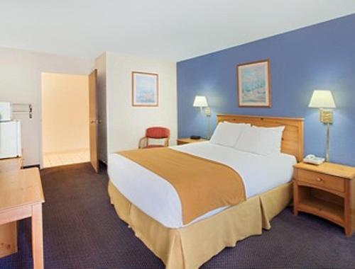 Days Inn & Suites-Mackinaw City-Bridgeview Lodge Photo