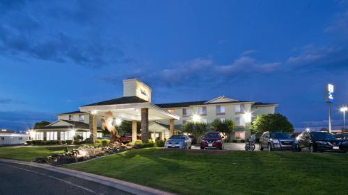 Best Western Plus Bronco Inn - Ritzville, WA 99169