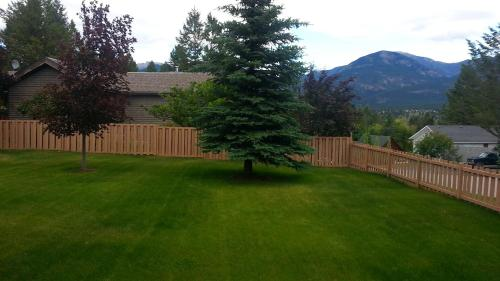 Invermere Lakeside & Mountain View Home - Invermere, BC V0A 1K0