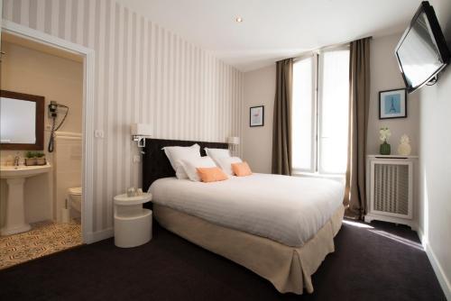 Hôtel Des Batignolles photo 13