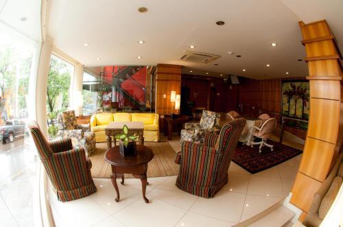 Convair Hotel Photo
