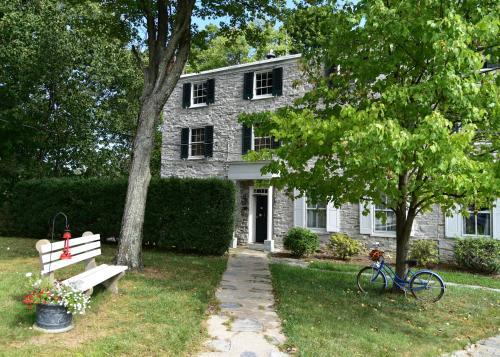 Stone Manse Inn - New Cumberland, PA 17070