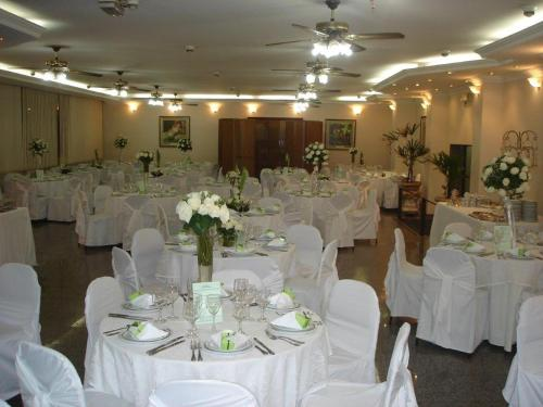 Obeid Plaza Hotel Photo