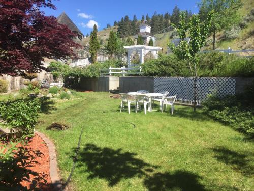 Lake View House In Kelowna - Kelowna, BC V1Y 9K5