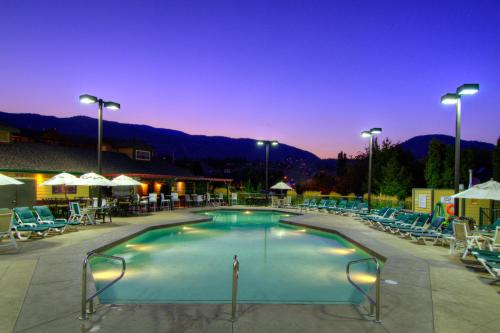 Ramada By Wyndham Penticton Hotel & Suites - Penticton, BC V2A 2C3