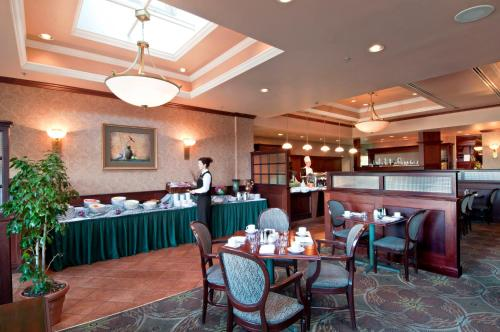 Hotel Grand Pacific - Victoria, BC V8V 1X3