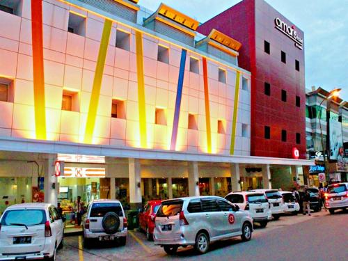 Amaris Hotel Nagoya Hill - Batam photo 4