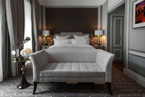 Hotel de Crillon photo 24