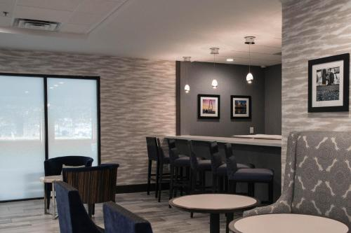 Wingate by Wyndham Dallas Love Field Photo