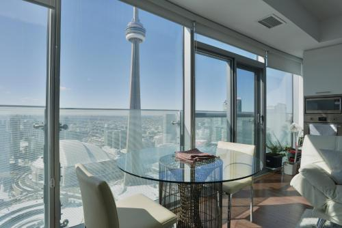 Breathtaking View In The Best Location - Toronto, ON M6K 0B9