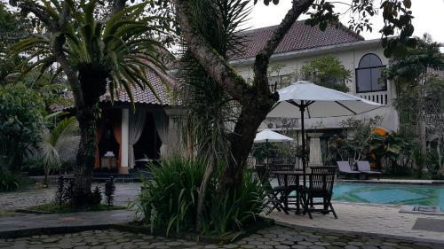 Sarasvati Borobudur