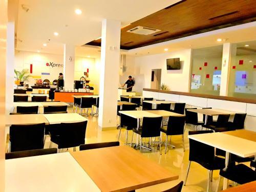 Amaris Hotel Nagoya Hill - Batam photo 12