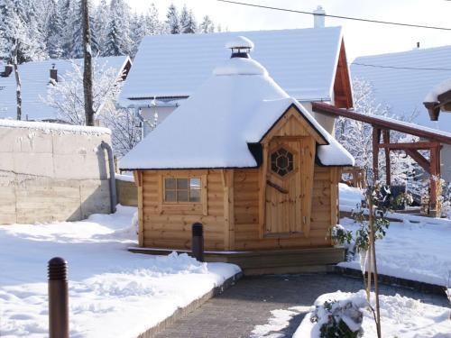 Holiday House Pinus Mugo