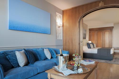 Suite with Private Pool (2 Adults)