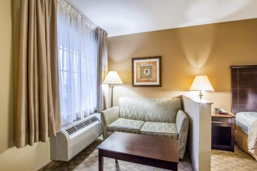 Quality Inn & Suites Greenville - Greenville, AL 36037