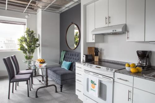 One-bedroom On Loyola Avenue Apt 601 By Sonder