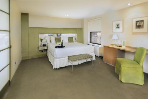 Shoreham Hotel Photo