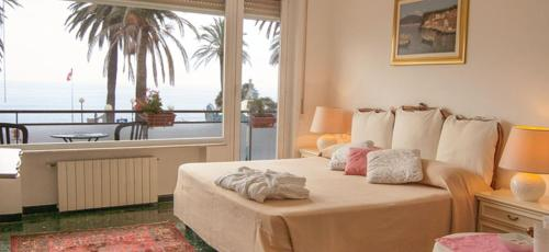 Soggiorno Marina - Varazze - book your hotel with ViaMichelin