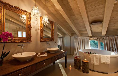 Suite La Vella Farga Hotel 10