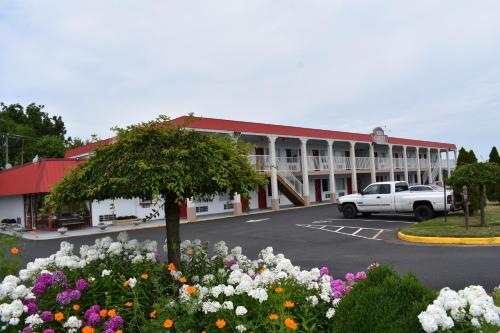 Red Carpet Inn & Suites Culpeper Photo