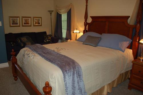 Accommodations Niagara Bed & Breakfast - Niagara Falls, ON L2E 3G7