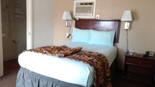 Budget Inn Hamilton - Hamilton, TX 76531