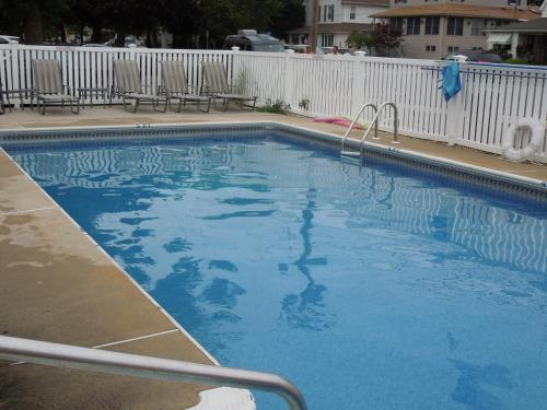 Pelican Point Motel - Point Pleasant Beach, NJ 08742
